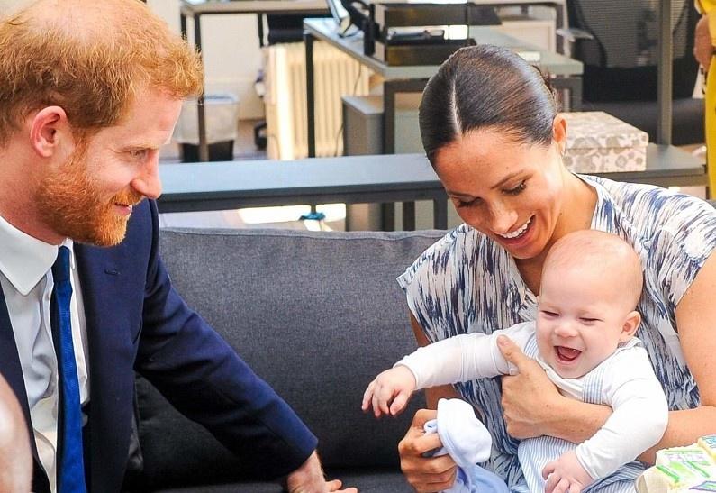 Сын принца Гарри и Меган Маркл получит королевский титул в обход родителей. И вот каким образом!