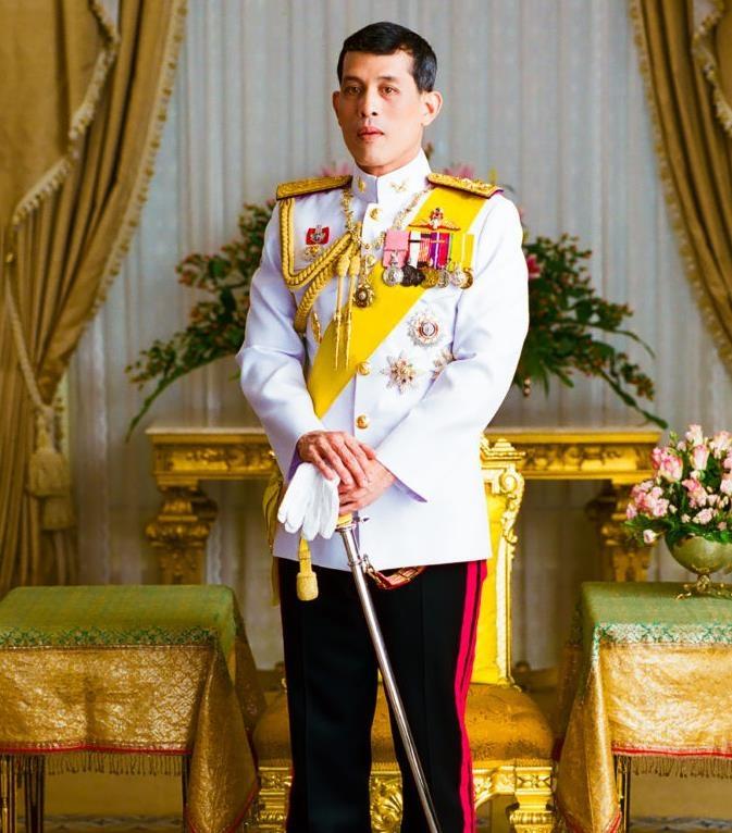 Король Таиланда помиловал свою наложницу, освободив ее из тюрьмы