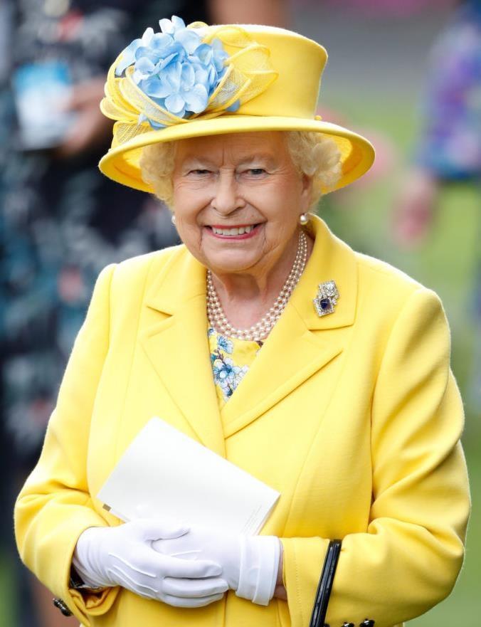 Оказывается, у королевы Елизаветы II было обсессивно-компульсивное расстройство личности