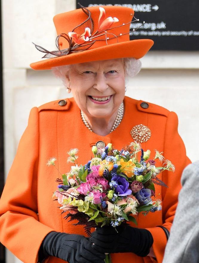 Королева Елизавета II выиграла суд у экс-дворецкого принца Чарльза