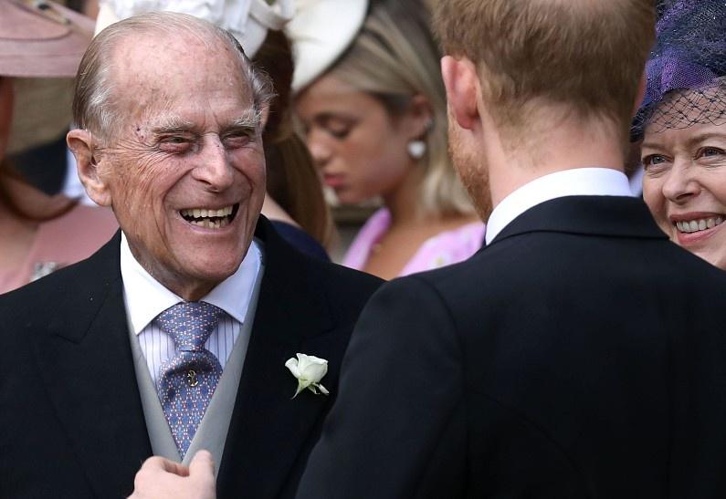 Стало известно, что принц Филипп думает о поведении принца Гарри и «Мегзите»