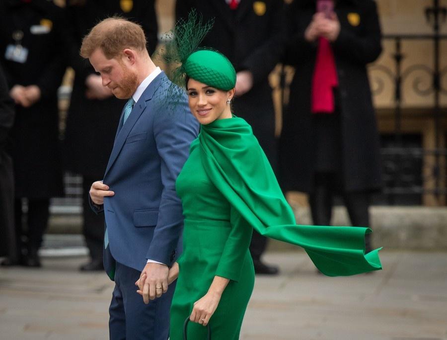 «Их могут лишить титулов». Меган и Гарри нарушили соглашение с королевой, когда опубликовали видео про выборы в США