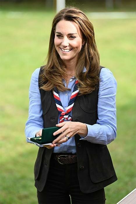 Свежа и весела: появление герцогини Кембриджской в новой должности
