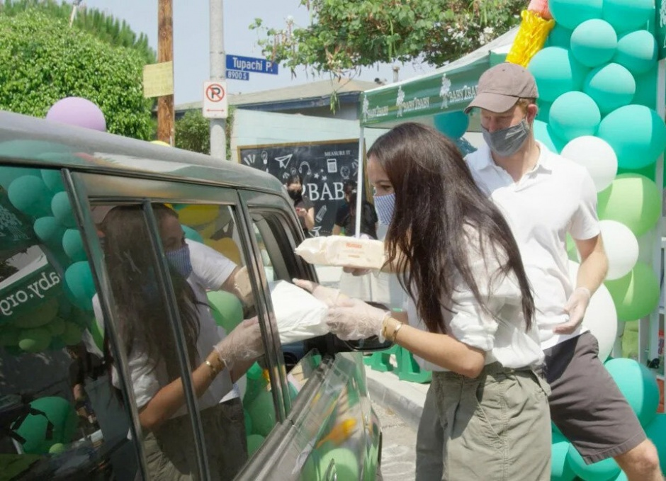 Принц Гарри и Меган Маркл выбрались в дорогой ресторан в Монтесито: новые фото