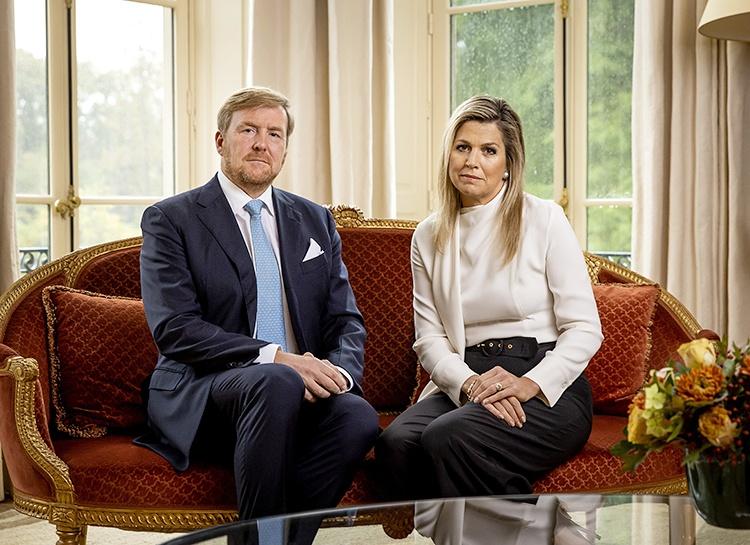 Король Виллем-Александр и королева Максима выпустили видео с извинениями за свой отпуск в Греции