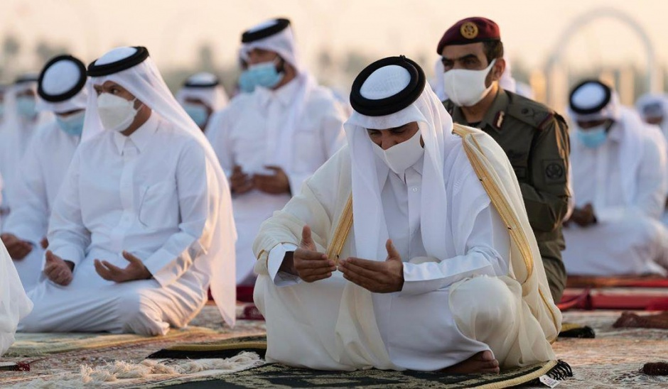 Совместная молитва эмира Катара с жителями