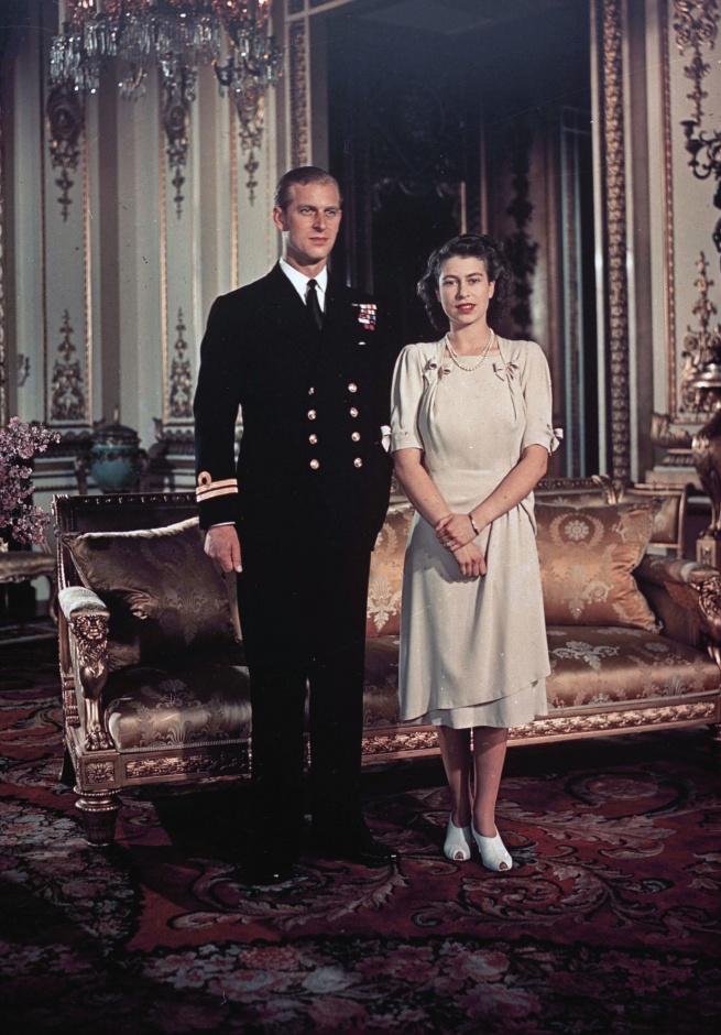 Трогательный момент: Елизавета II и ее муж празднуют 73-ю годовщину свадьбы