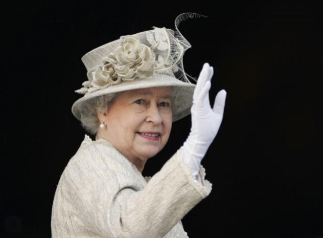 Елизавета II может обзавестись антибактериальными перчатками