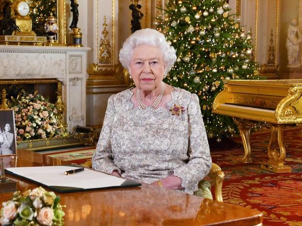 Особая честь: кого из Виндзоров Королева пригласит на Рождество в этом году (а кого не ждут на празднике)