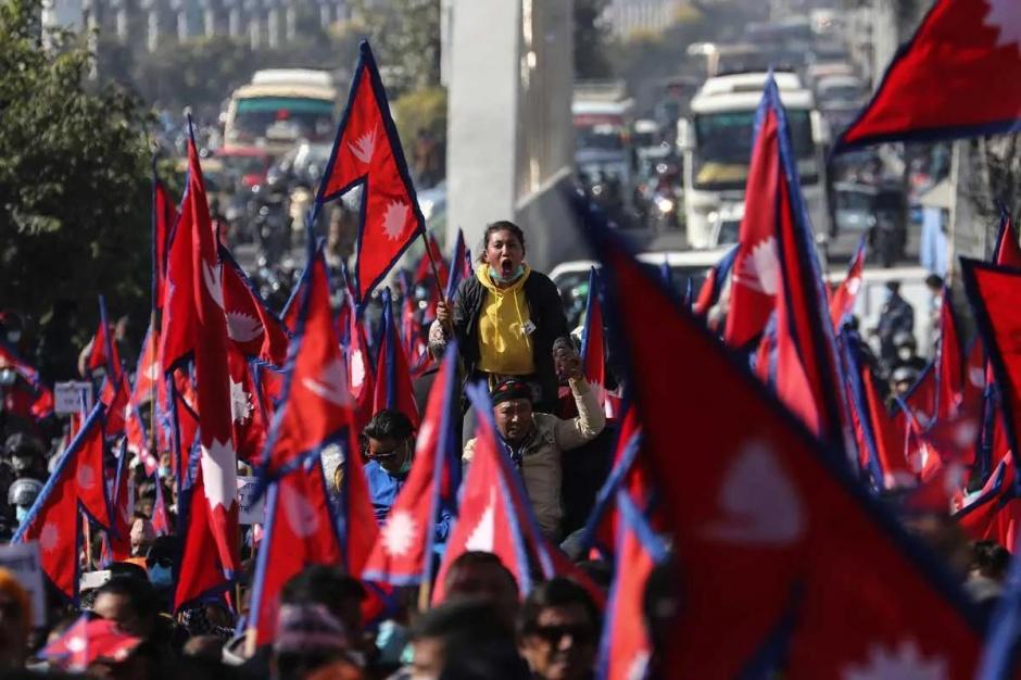 Непальцы выступают за возвращение монархии