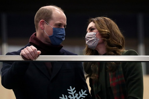 Посадка окончена! Принц Уильям и Кейт Миддлтон отправились в тур по Великобритании на королевском поезде