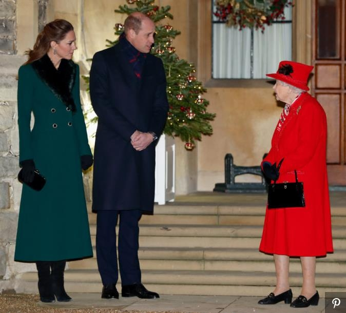 Принц Уильям и Кейт Миддлтон завершили тур по Великобритании встречей с королевой