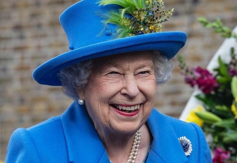Королевская семья опубликовала загадочное сообщение и сразу же его удалила. И вот что там было!