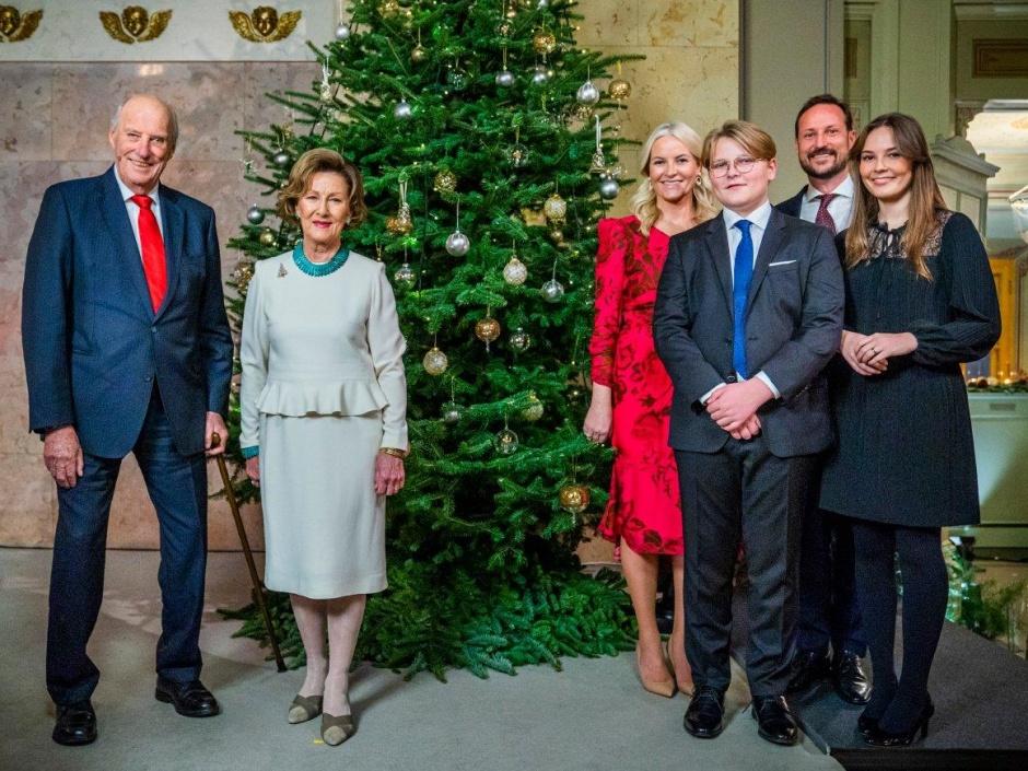Предрождественское фото норвежской королевской семьи