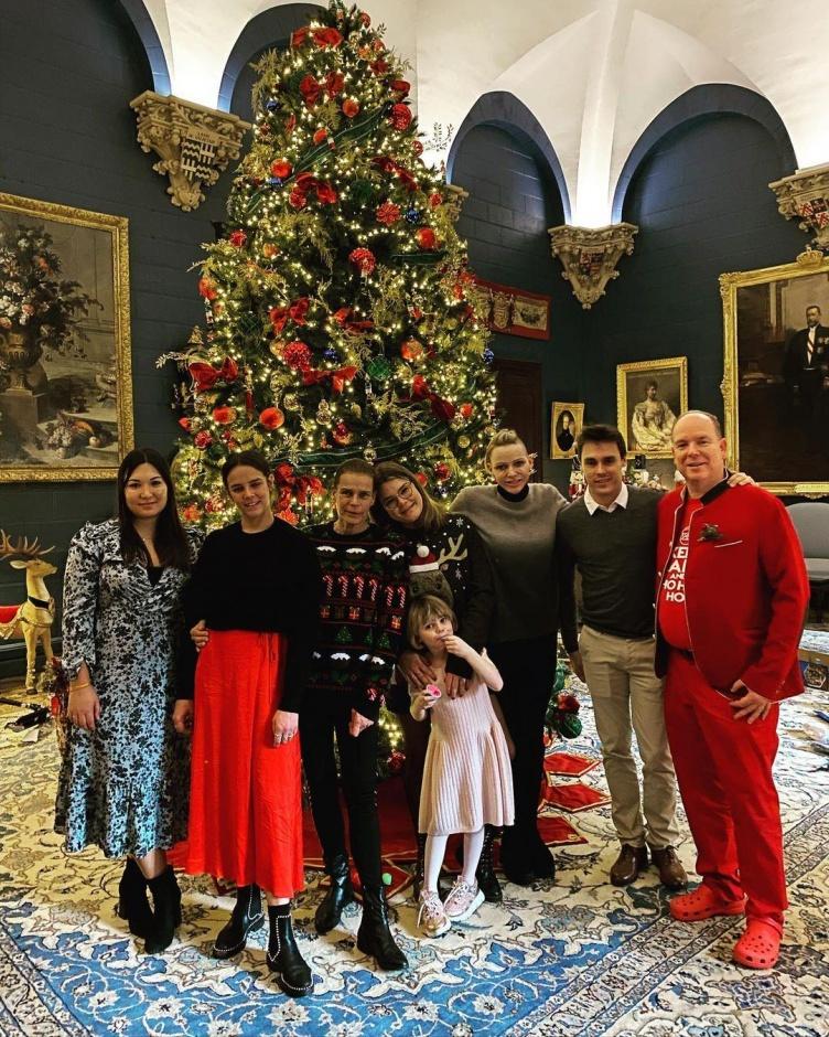 Новые фото в честь Рождества из Монако