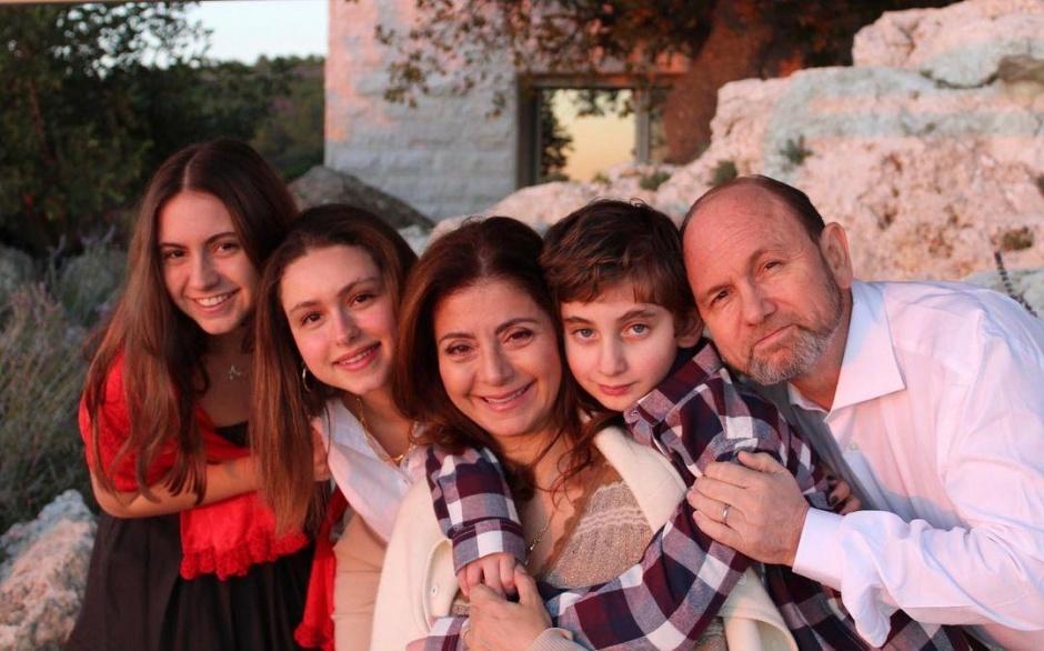 Принцесса Ирака и Иордании поделилась фото и поздравила с Новым Годом!