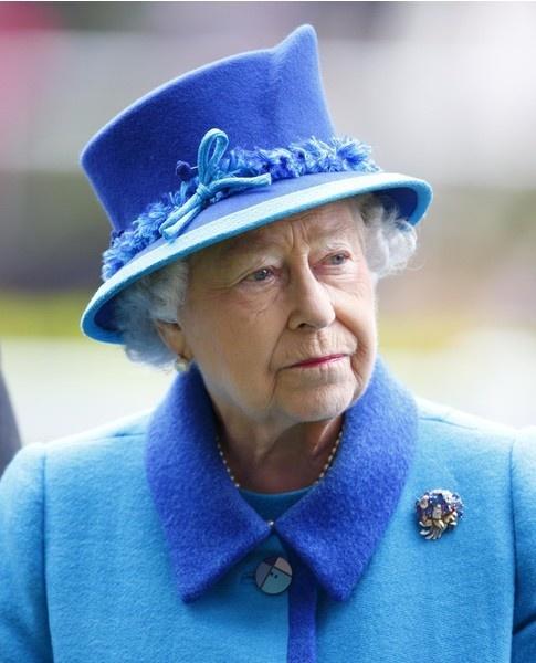 Что положено по контракту экономке при дворе королевы Елизаветы II