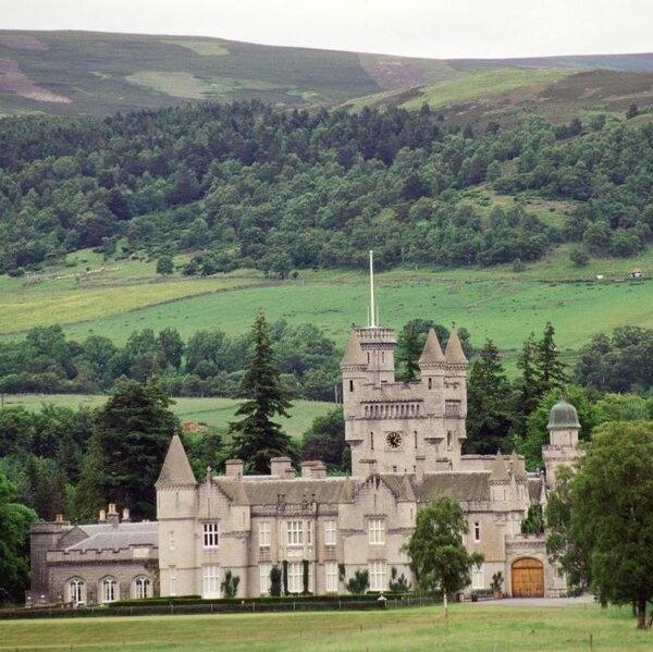 Кейт Миддлтон и принц Уильям прибыли в замок Балморал