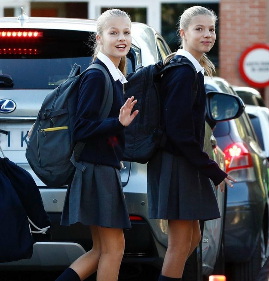 Школьные будни: принцесса Леонор и инфанта София вернулись к учебным занятиям в Santa María de los Rosales