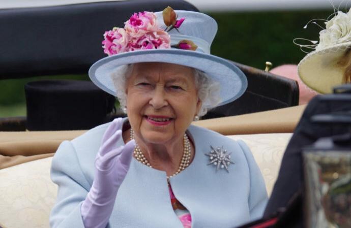 Где можно встретить королеву?