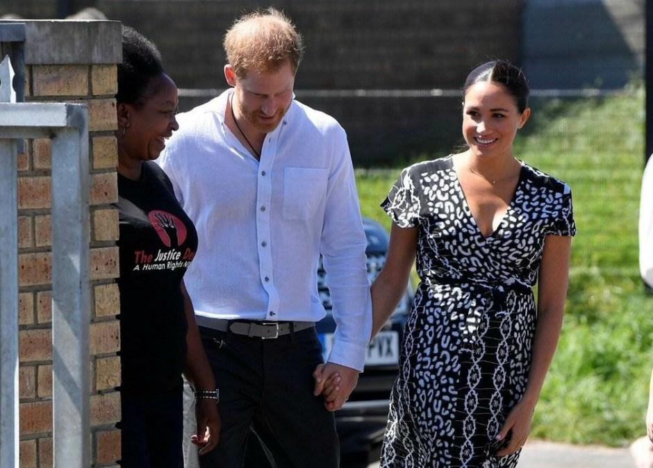 Принц Гарри и Меган Маркл прибыли в предместье Ньянга