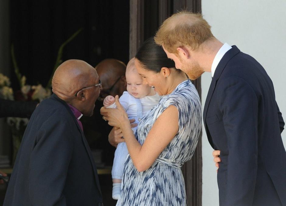 Первый выход принца Гарри и Меган Маркл с Арчи в ЮАР