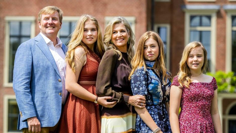 Отпуск короля и королевы Нидерландов: 6 недель в Греции за 300 000 евро