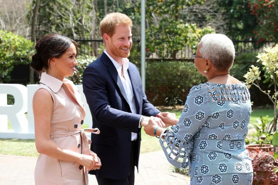 Гарри и Меган встречаются с вдовой Нельсона Манделы.