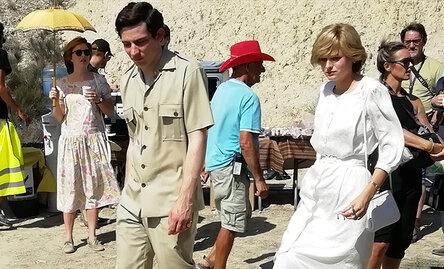 Эмма Коррин в образе принцессы Дианы: первые кадры со съемочной площадки нового сезона