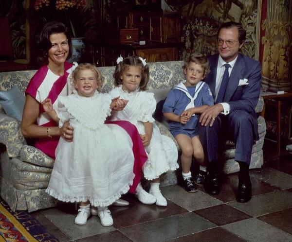 Шведские наследники опубликовали первые официальные заявления после отказа их детям в праве на престол
