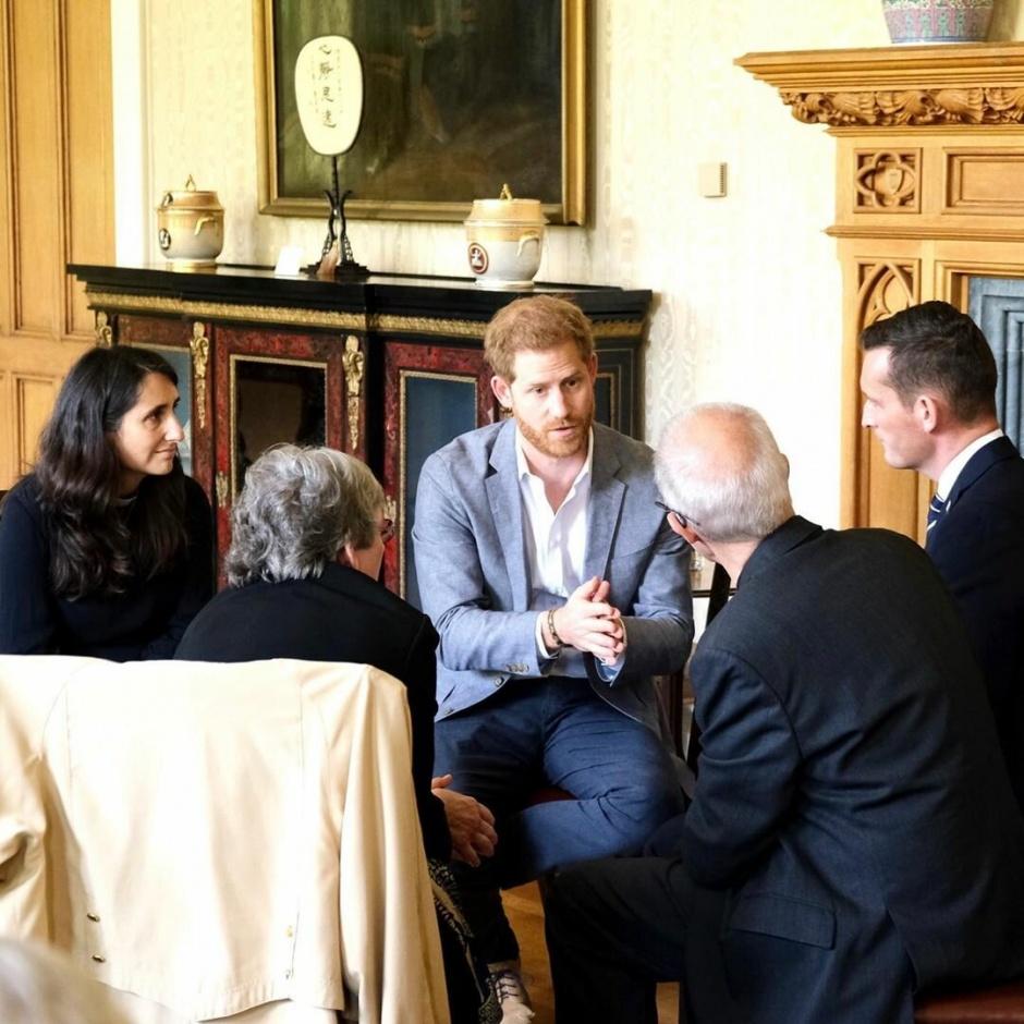 Принц Гарри и Меган Маркл поделились новой свадебной фотографией ради благого дела