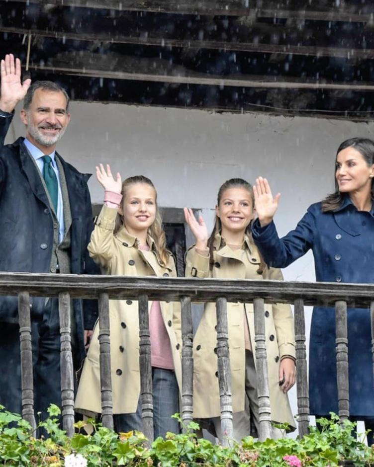 Королевская семья Испании посетила Асиего - образцовый город Астурии