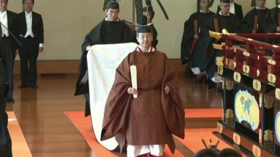 Император Японии Нарухито продолжит самую древнюю правящую династию в мире