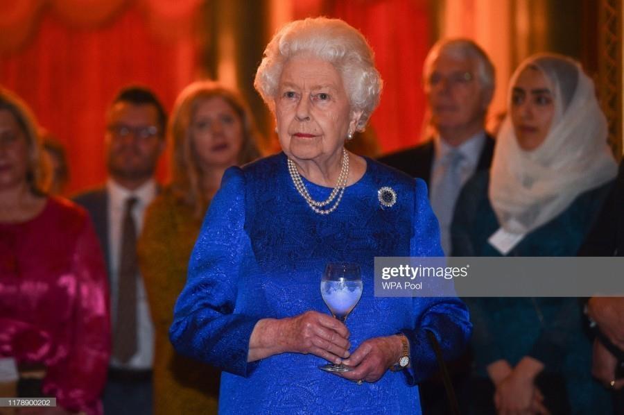 Елизавета II и Софи Уэссекская на приеме в честь лидеров фонда The Queen Elizabeth Diamond Jubilee Trust