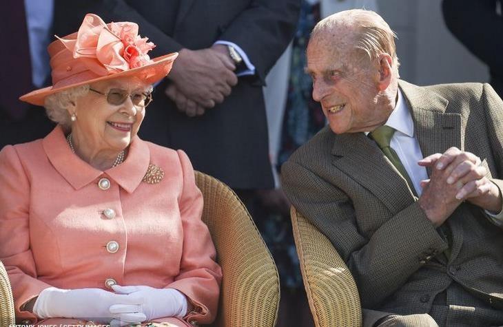 Кейт Миддлтон, принц Уильям и другие члены королевской семьи отмечают юбилей королевы Елизаветы и принца Филиппа