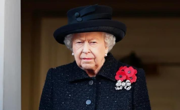 Королевский флот взял на себя ответственность за распространение слухов о смерти Елизаветы II