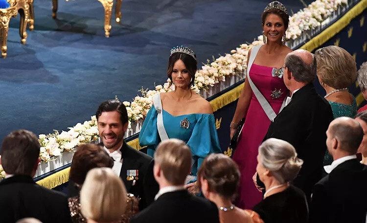 Татуировка vs Диадема: шведская принцесса София и Мадлен на торжественном ужине Нобелевской премии