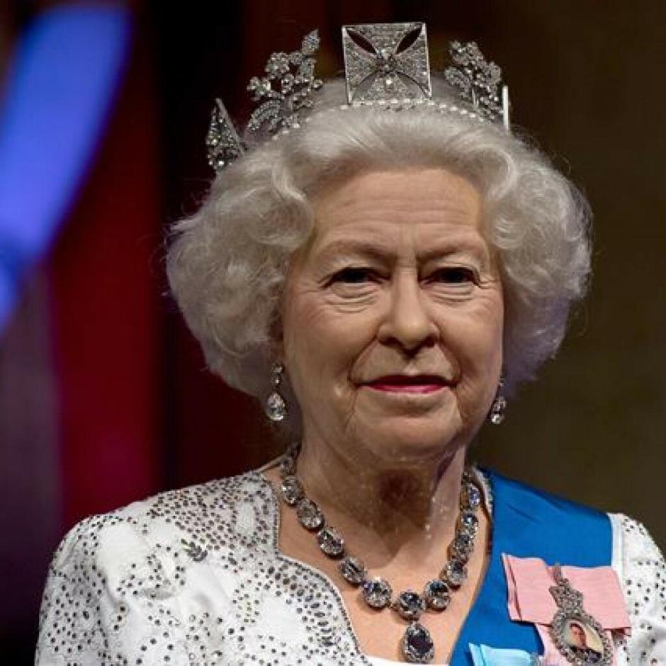 Королева Елизавета купила 620 рождественских подарков, чтобы порадовать свой персонал и членов семьи