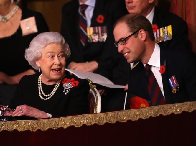 Не только Королева, но и бабушка: принц Уильям и его трогательное отношение к Елизавете II