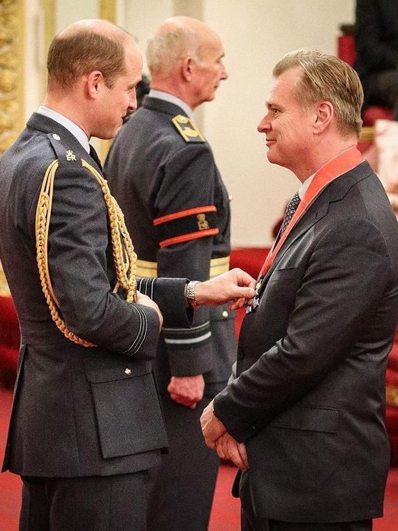 Принц Уильям вручил Кристоферу Нолану орден Британской империи