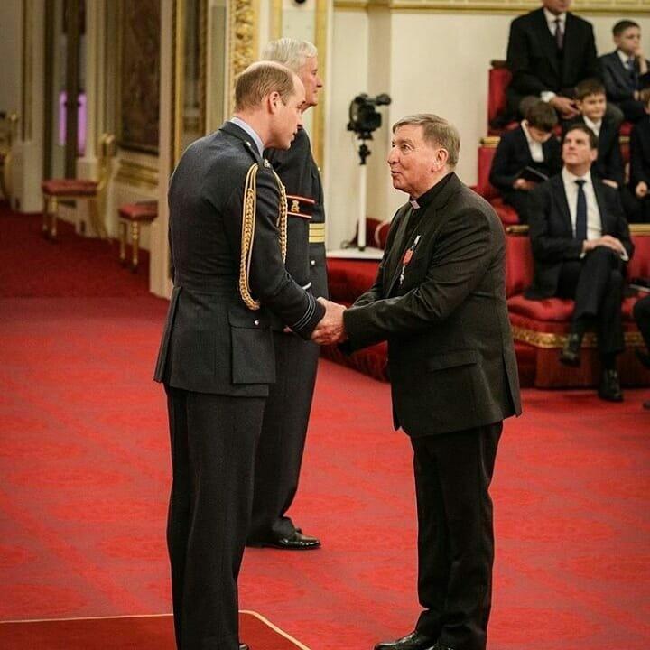 Учтивый принц: герцог Кембриджский использовал язык жестов во время вручения награды Алексу Дугиду (видео)