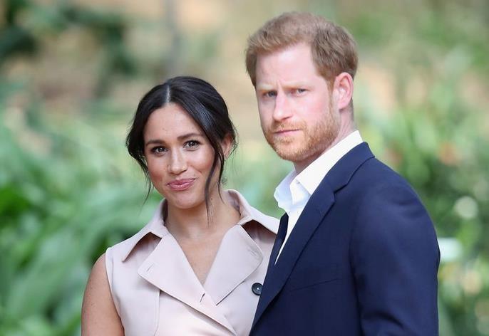 Меган Маркл и принц Гарри опубликовали предупреждение о фотографиях паппарацци с малышом Арчи