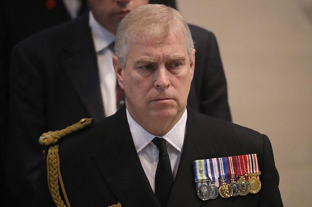 Королева против: принц Эндрю может не вернуться к королевским обязанностям