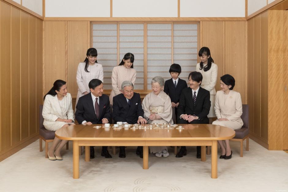 ничуть японская императорская семья фото может быть
